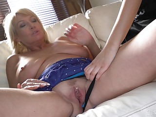 Lesbian sexual connection with hot girl Sarah Cute is be transferred to best experience for this granny