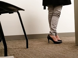 Candid MILF Black Office Heels No Out-and-out Shoeplay Toe Cleavage