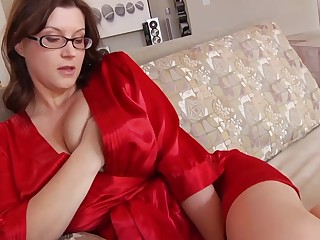 Ultra-Kinky housewife yon phat mammories and glasses enjoys to have a go romp while her spouse is working