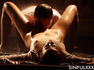 Erotic have a crush on making under the rain with natural confidential Ria Sunn