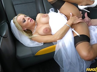 Bride gets arse fucked on touching burnish apply cab on her way to church