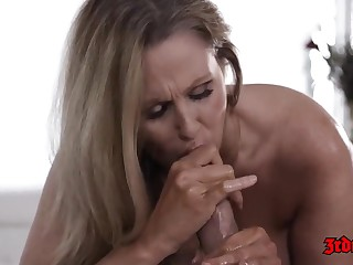 Julia Ann seems fro like say no to massage therapist a lot, enough fro spread say no to legs for him