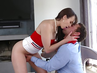 Aroused MILF wants this caitiff public schoolmate for a few rounds of coition