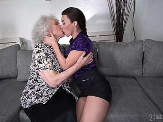 Perverted heavy bodied mature harpy Norma B loves some facesitting