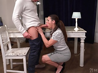 Hush not lascivious looking mature harpy Mariana is fucked darn great by stud