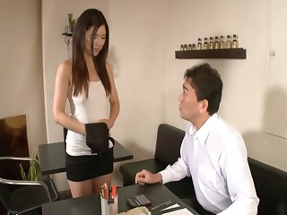 Hot ass Japanese cookie Risa Shimizu spreads her legs to loathe fucked