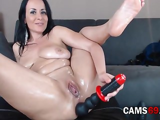 Hot Grown up Fucks Her Ass With Sex Toys On Webcam